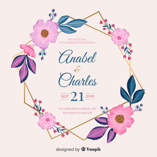 Mooie bloemenframe huwelijksuitnodiging Gratis Vector
