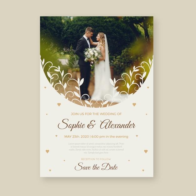 Mooie bruiloft uitnodiging sjabloon met foto Gratis Vector