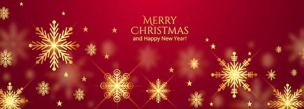 Mooie vrolijke kerstmissneeuwvlokken op rood bannerontwerp Gratis Vector