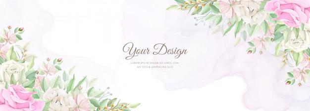 Mooie zachte bloemen en bladeren bruiloft uitnodigingskaartenset Gratis Vector