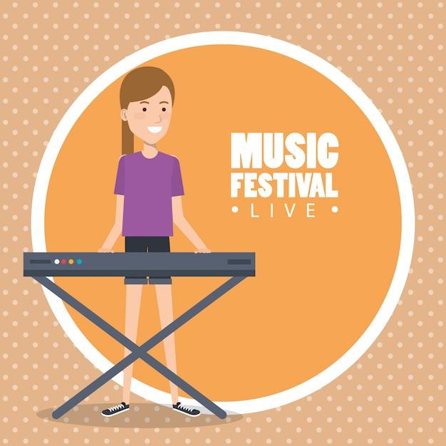 Muziekfestival live met vrouw piano spelen Gratis Vector