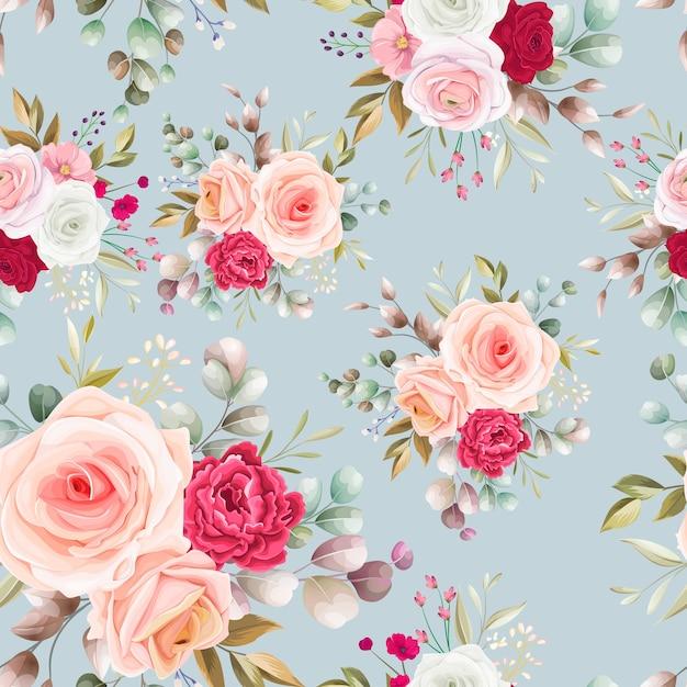 Naadloos patroon mooi bloem en bladerenontwerp Gratis Vector