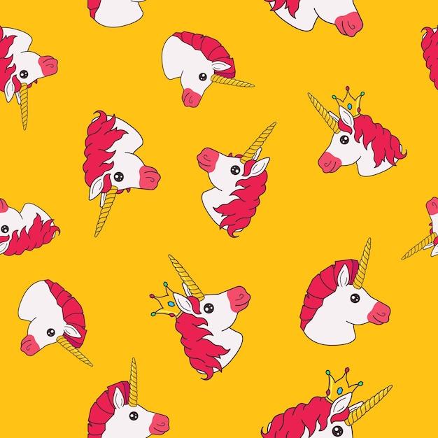 Naadloze patroon met cartoon grappige fee prinses eenhoorn op gele achtergrond Premium Vector