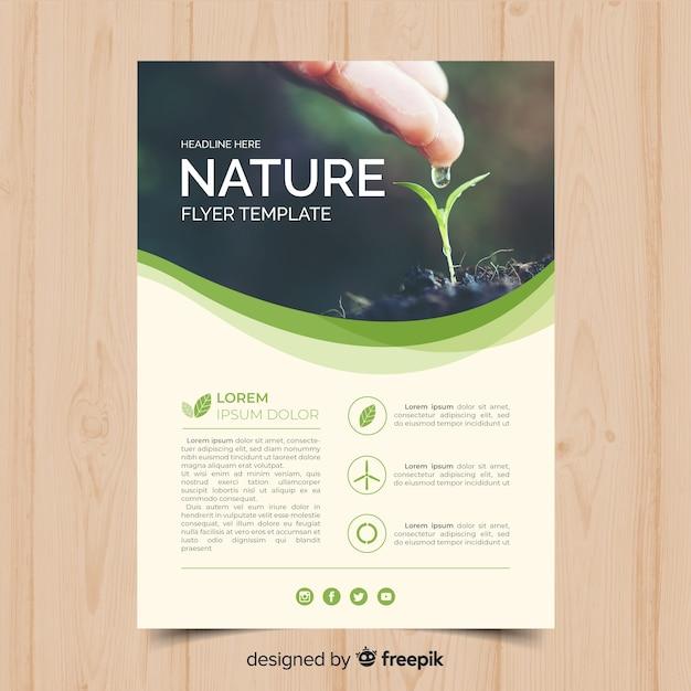 Natuur flyer sjabloon Gratis Vector
