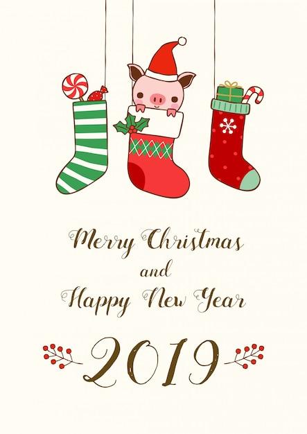 Nieuwjaar 2019 kaart kerstsokken met schattige varken en geschenken Premium Vector