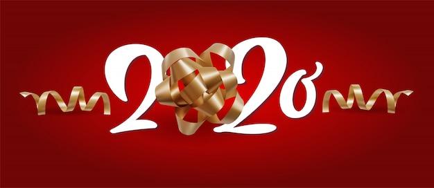 Nieuwjaar 2020 wit nummer en kerstmis feestelijke spiraalvormige linten op rode achtergrond Premium Vector