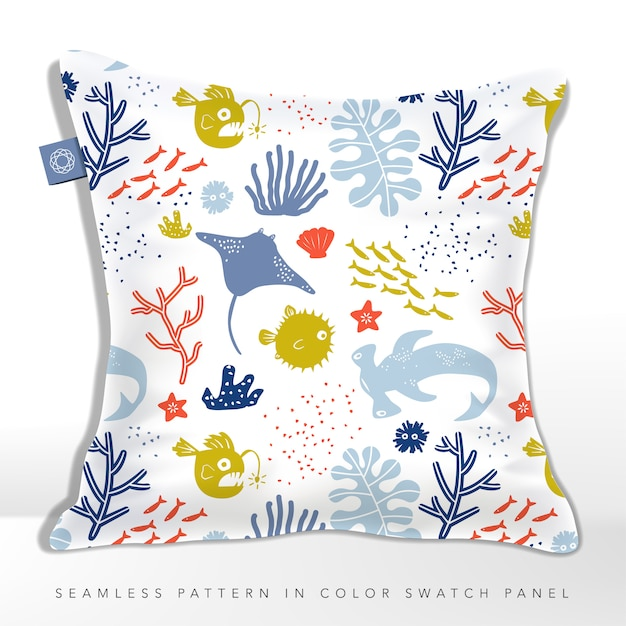 Onderzeese world child of kid naadloze stoffen of textiel patroon kussen met stingray, puffer fish, lantern fish & hammerhead shark. Premium Vector