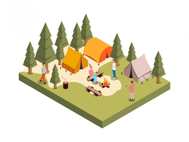 Openlucht bospartij isometrische samenstelling met reeks mensen cijfers kampvuur en tenten onder veelhoekige bomen vectorillustratie Gratis Vector