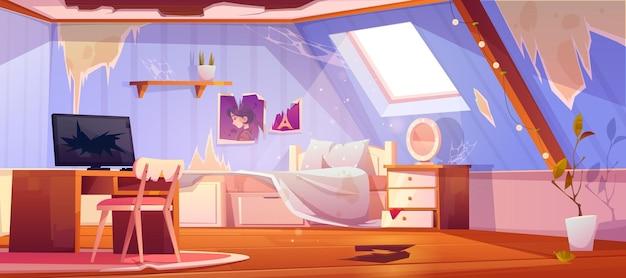 Oude vuile meisjesslaapkamer op zolder. interieur van mansardedak met gebroken vloer en meubels, rotzooi en afval. Gratis Vector
