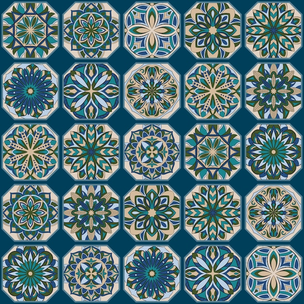Overladen bloemen naadloos patroon met uitstekende mandala Premium Vector