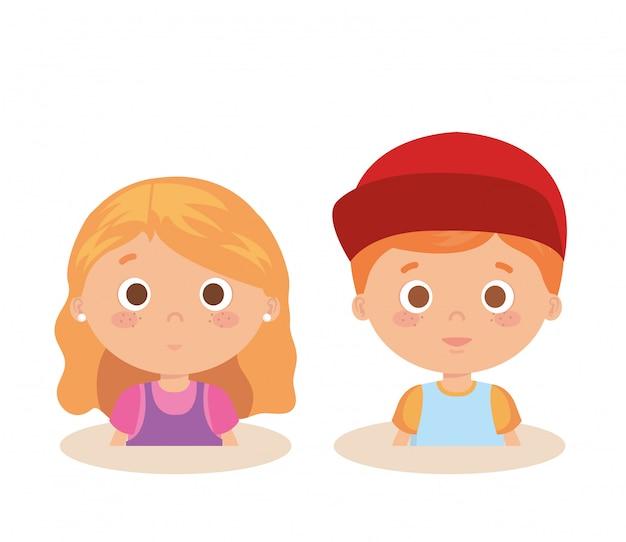 Paar kleine kinderen karakters Gratis Vector