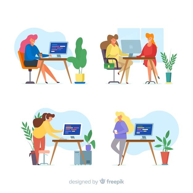 Pack geïllustreerde programmeurs werken Gratis Vector