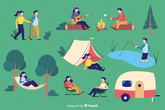 Pak mensen camping plat ontwerp Gratis Vector