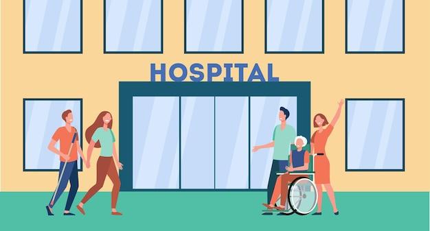 Patiënten en hun familieleden voor het ziekenhuis. cartoon afbeelding Gratis Vector