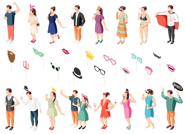 Photo booth party guests in kostuums houden rekwisieten isometrische iconen collectie met oogmaskers lippen hoeden Gratis Vector