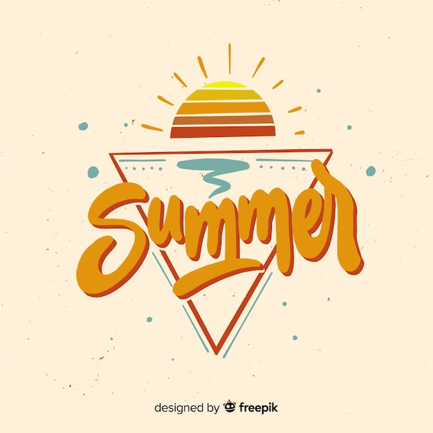 Platte zomer belettering achtergrond met zonsondergang Gratis Vector