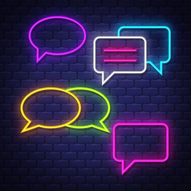 Praat bubble neonreclames collectie. chat ballonnen tekenen. neonreclames. Premium Vector