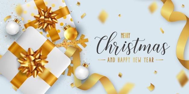 Prettige kerstdagen en gelukkig nieuwjaar achtergrond sjabloon met realistische kerstobjecten Gratis Vector