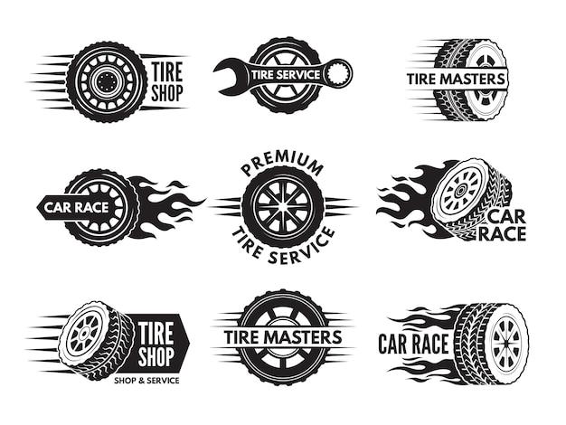 Race logo's met afbeeldingen van verschillende auto's Premium Vector
