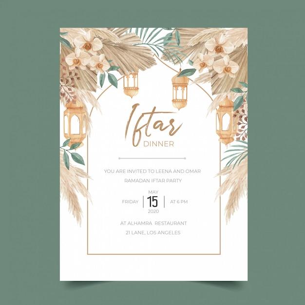 Ramadan iftar diner uitnodiging sjabloon met gedroogde palmbladeren, pampagras, orchidee en lantaarn Premium Vector