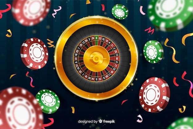 Realistische casino roulette achtergrond met chips Gratis Vector
