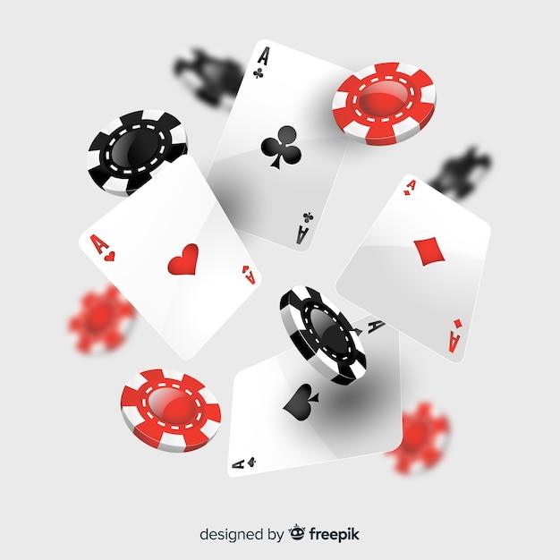 Realistische dalende casinospaanders en kaarten Gratis Vector