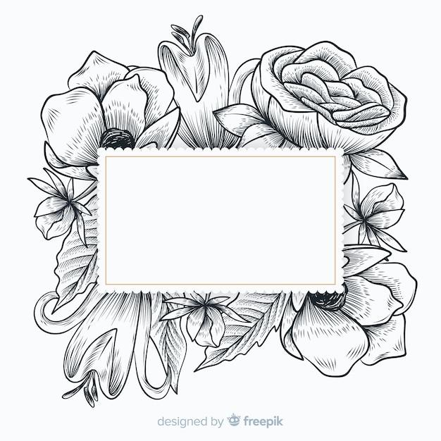 Realistische hand getrokken bloemen met lege banner Gratis Vector