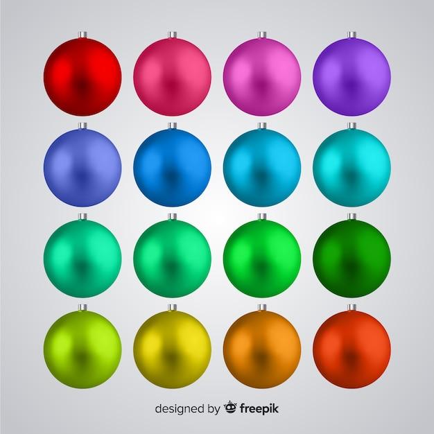 Realistische kerstballen instellen Gratis Vector
