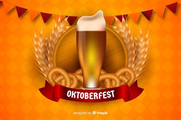 Realistische oktoberfest-biermok en bagels Gratis Vector