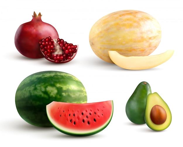 Realistische set van kleurrijke geheel en gesneden fruit met granaatappel meloen watermeloen en avocado geïsoleerd op wit Gratis Vector