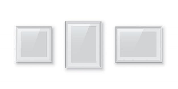 Rechthoekige en vierkante witte foto- of afbeeldingsframes geïsoleerd, vintage randen ingesteld. Premium Vector