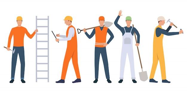 Reeks bouwers, voorman en manusje van alles die hulpmiddelen houden en werken Gratis Vector