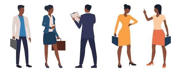 Reeks mannelijke en vrouwelijke bedrijfsleiders met aktentassen Gratis Vector