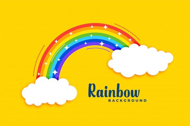 Regenboog met wolken op gele achtergrond Gratis Vector