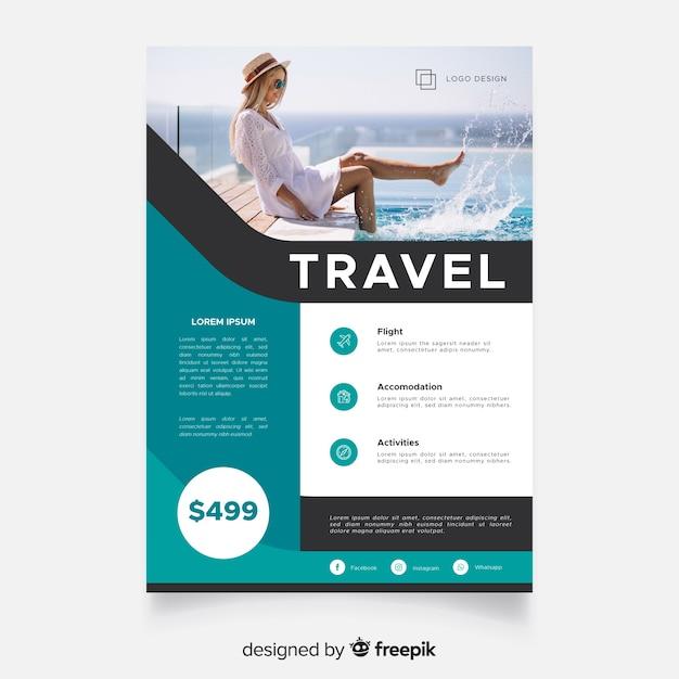 Reizen poster sjabloon met reiziger Gratis Vector