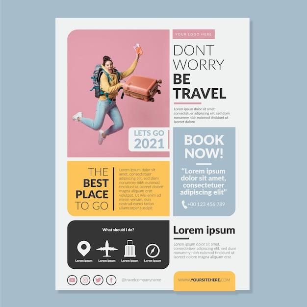 Reizen verkoop sjabloon folder met foto Gratis Vector