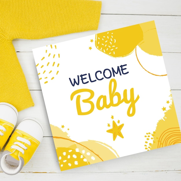 Samenvatting geschilderde kinderlijke babykaartjes in gele toon Gratis Vector
