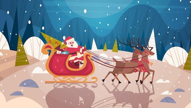 Santa riding slee met rendieren in bos, vrolijke kerstmis en gelukkig nieuwjaar banner winter holidays concept Premium Vector