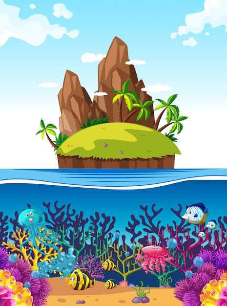 Scène met eiland en vissen onder de zee Gratis Vector