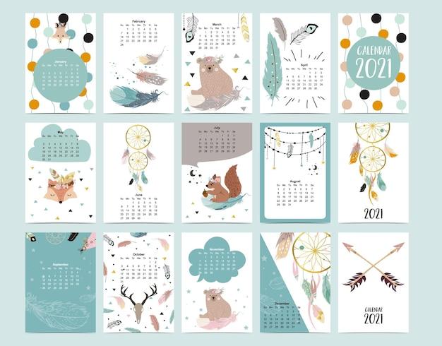 Schattige dierenkalender met beer, veer, dromenvanger voor kinderen, kind, baby. Premium Vector
