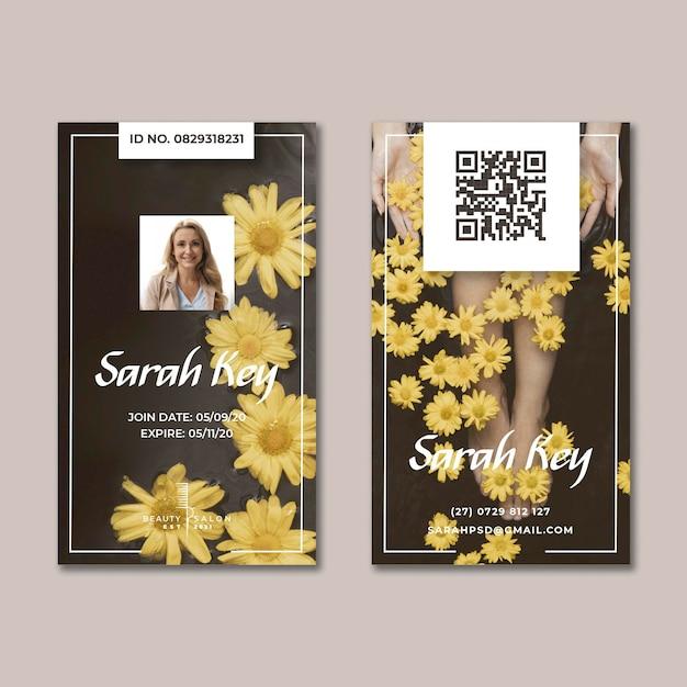 Schoonheidssalon bloemen identiteitskaart Gratis Vector