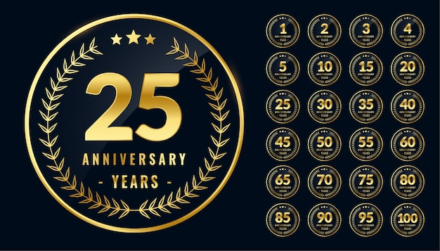 Set afgeronde verjaardag gouden etiketten of emblemen Gratis Vector