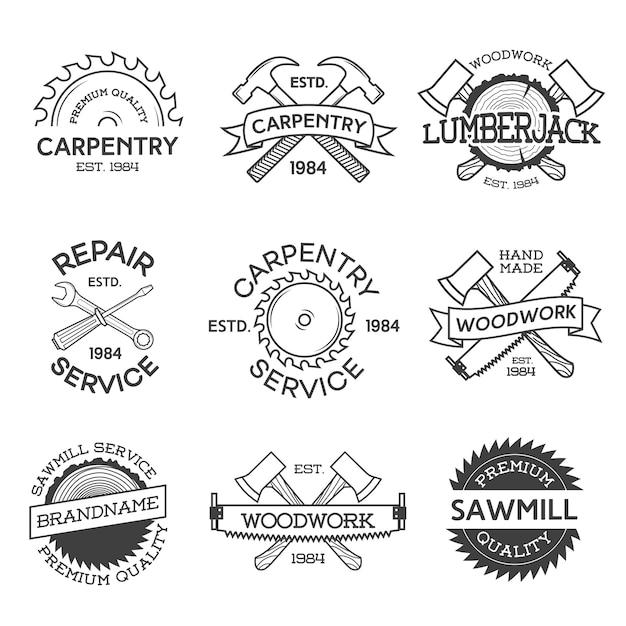 Set etiketten voor timmerwerk, reparatie, houthakker, zagerij en houtwerk geïsoleerd op een witte achtergrond. postzegels, banners en designelementen. houtwerk en labelsjablonen maken. illustratie Premium Vector