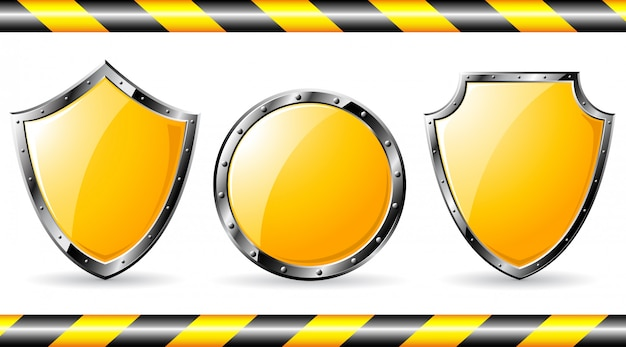 Set gele stalen schilden Premium Vector