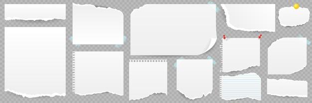 Set gescheurde vellen papier met notitieboekje geïsoleerd Premium Vector