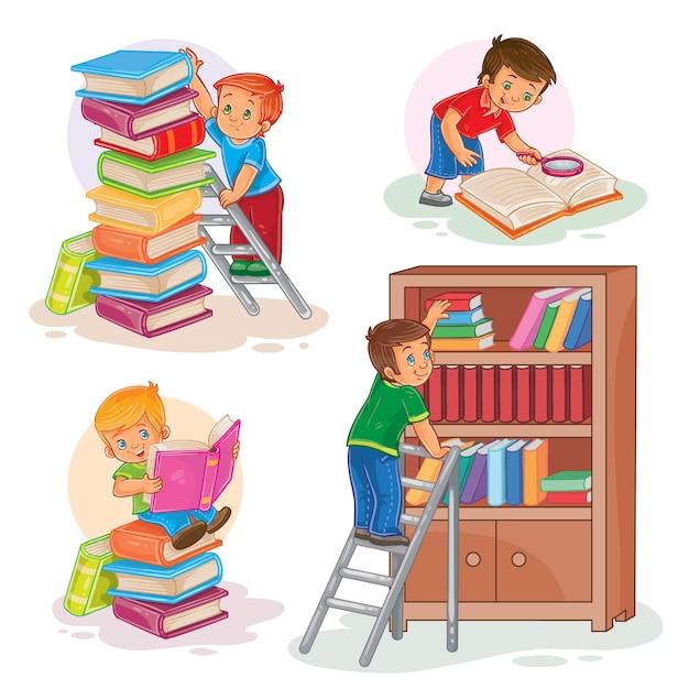 Set iconen van kleine kinderen die een boek lezen Gratis Vector