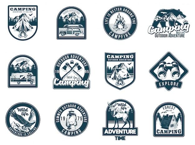 Set monochrome vintage camping travel adventure emblems. badges sticker ontwerp hipster reizen illustratie. Premium Vector