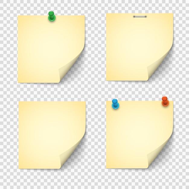 Set van gele papieren notities met push pins Premium Vector