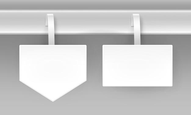 Set van lege witte vierkante pijl papierper kunststof reclame prijs wobbler vooraanzicht geïsoleerd op achtergrond Premium Vector