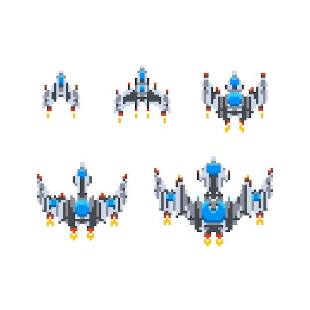 Set van level-up van schattige kleine ruimteschepen vintage game held in pixel art stijl geïsoleerd op wit Premium Vector